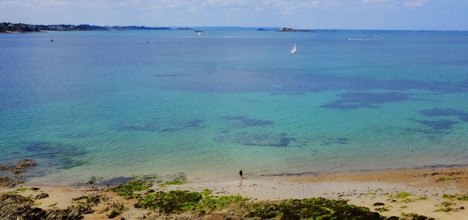 サン・マロからのエメラルド海岸の眺め