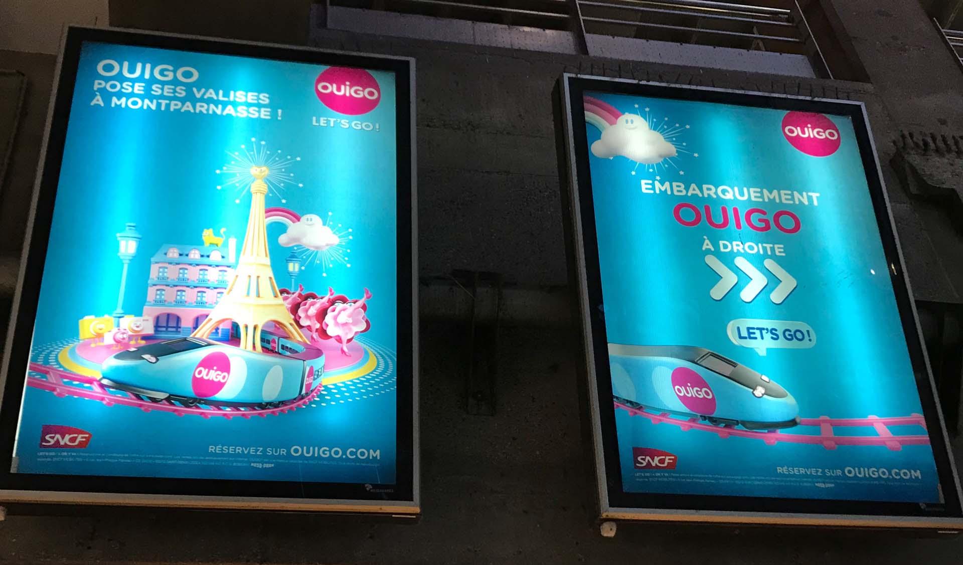 パリ・モンパルナス駅のOUIGOの看板