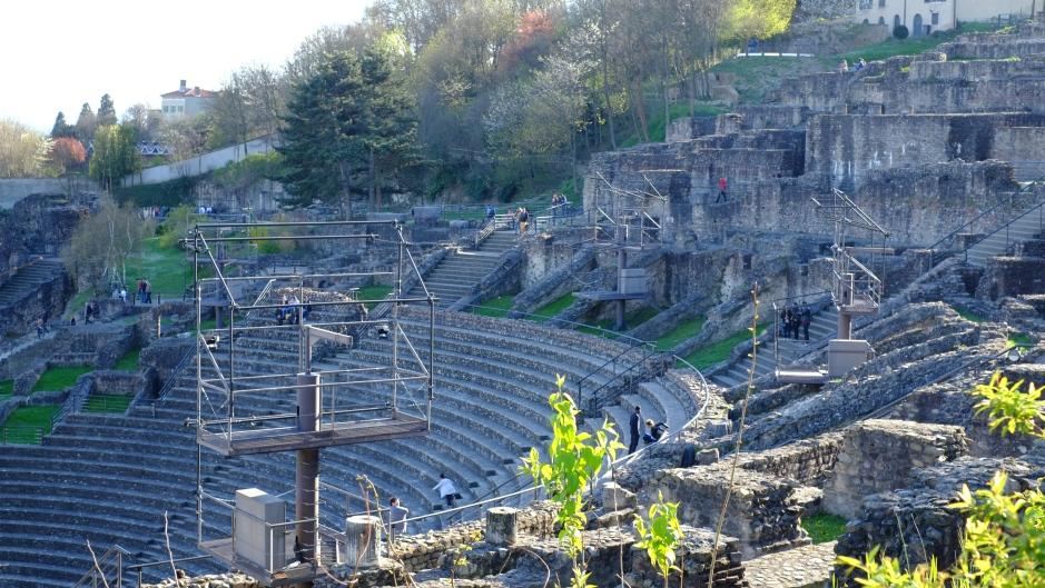 フルヴィエールの丘にある古代ローマ劇場