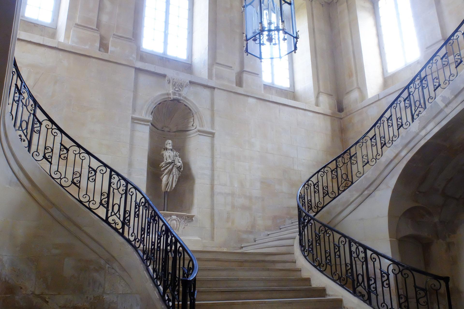カン女子修道院の内部