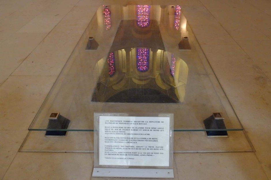カン女子修道院のマティルダの墓