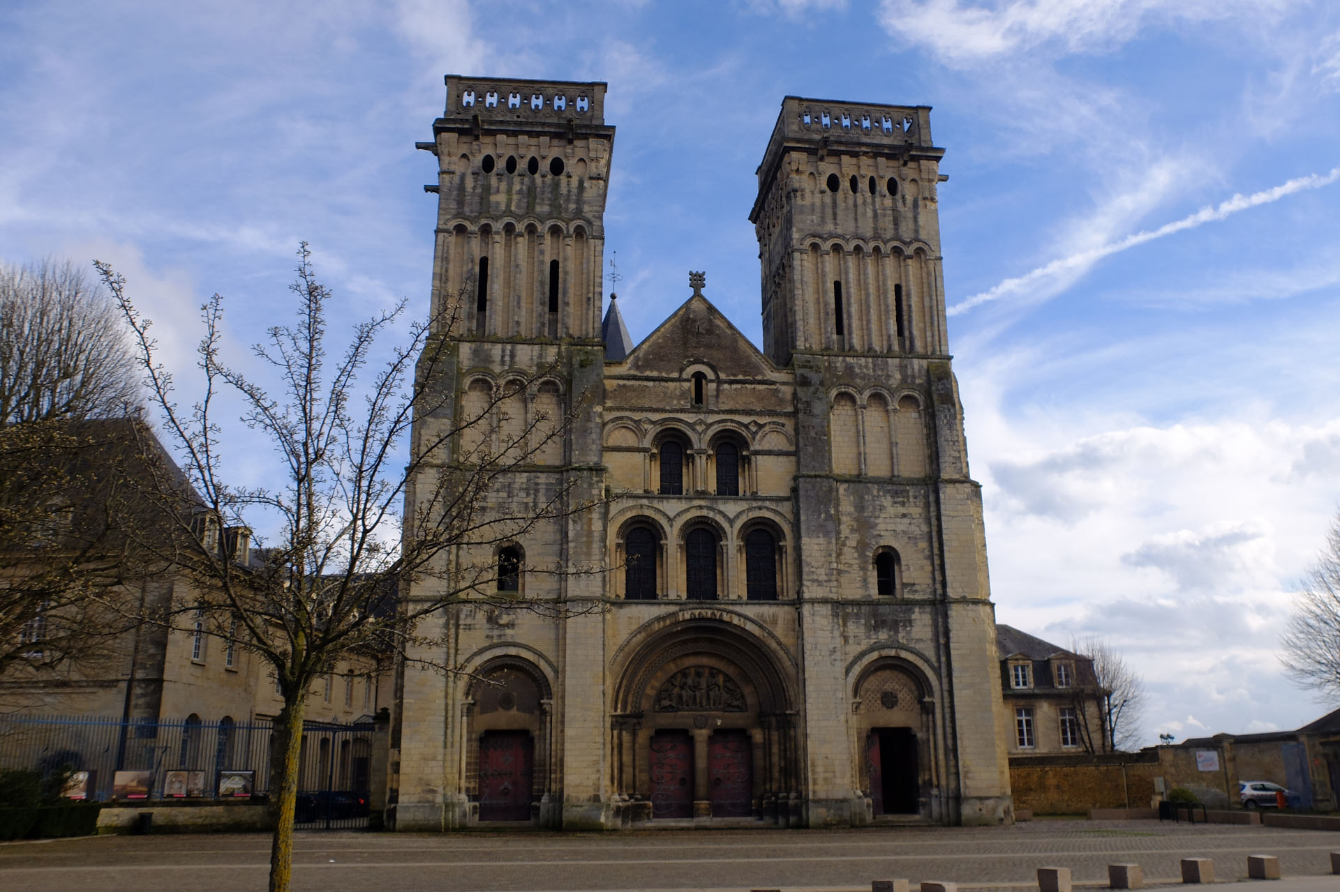 カン女子修道院付属のサント・トリニテ教会