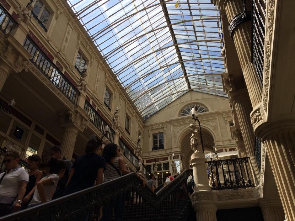ナントのパッサージュ・ポムレの大階段