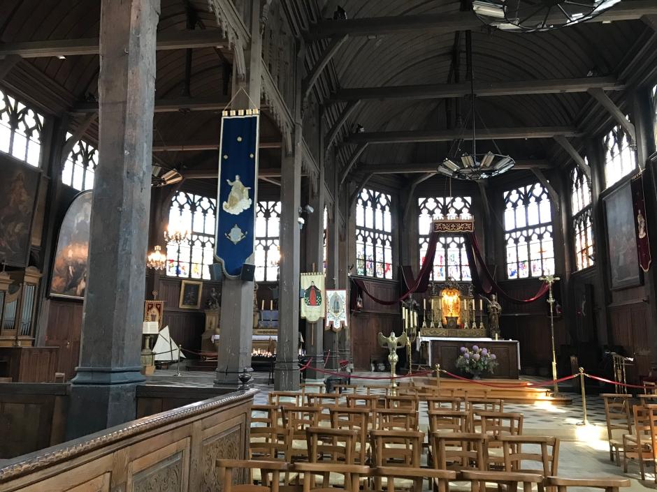 オンフルールのサント・カトリーヌ教会の内部